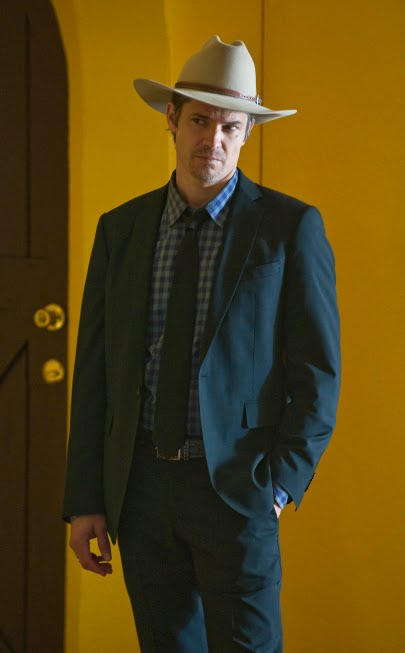 raylan full suit