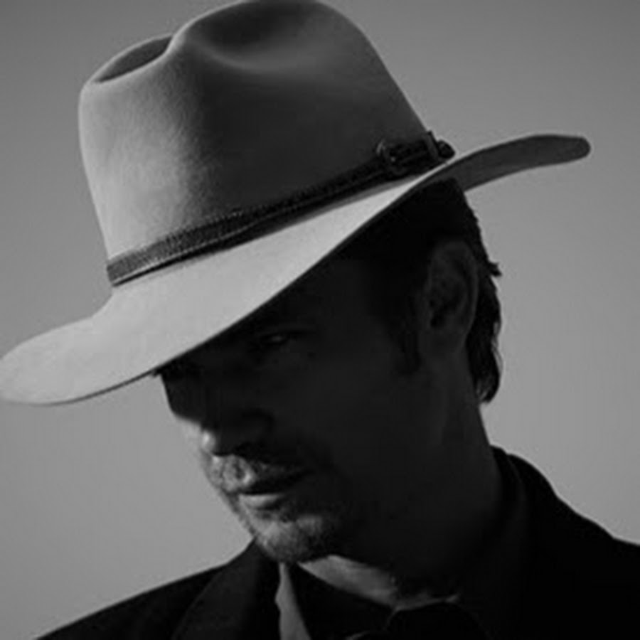 raylan whistle past the graveyard with hat